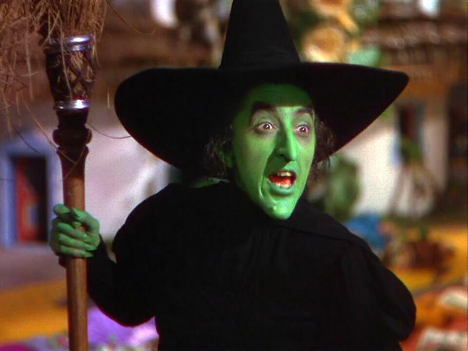Apócrifa Art Magazine, Brujas, El mago de Oz