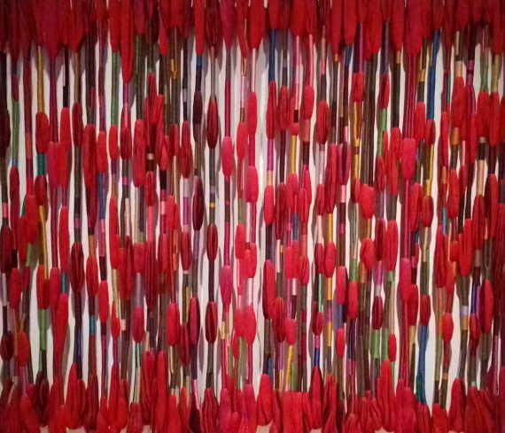 Sheila Hicks, Apócrifa Art Magazine