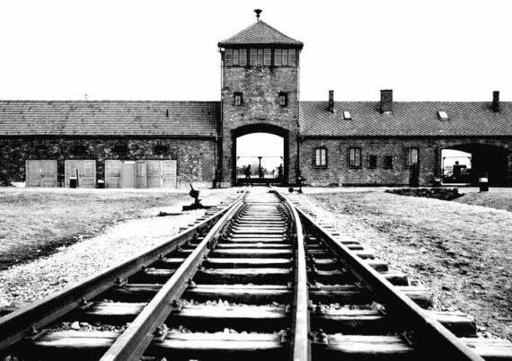 Auschwitz Madrid - Apócrifa Art Magazine