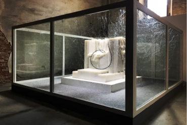 Exposición motivos, Apócrifa art magazine