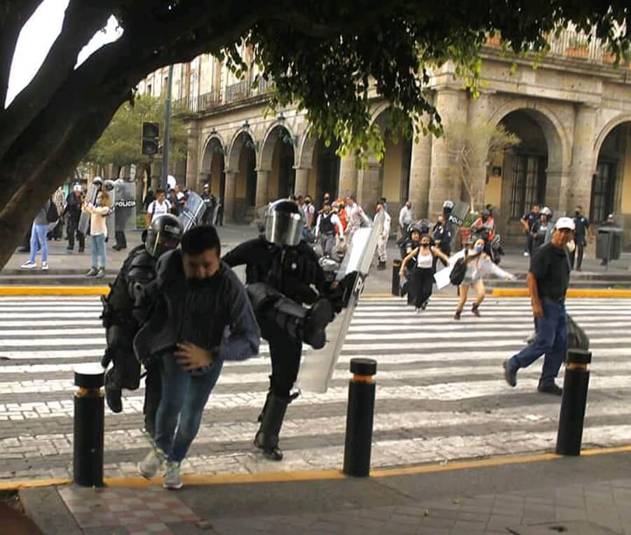 Guadalajara se enciende - Apócrifa Art Magazine